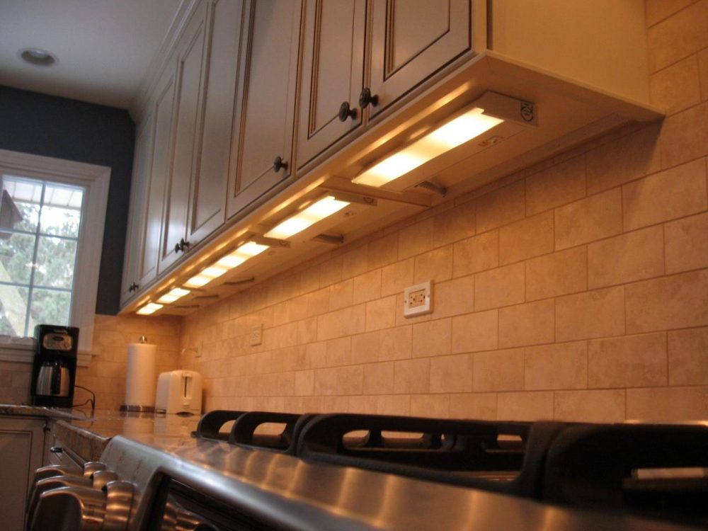 Guide To Under Cabinet Lighting The Housist